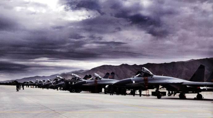 机场海拔太高 中国战机的载荷航程就少了一半?