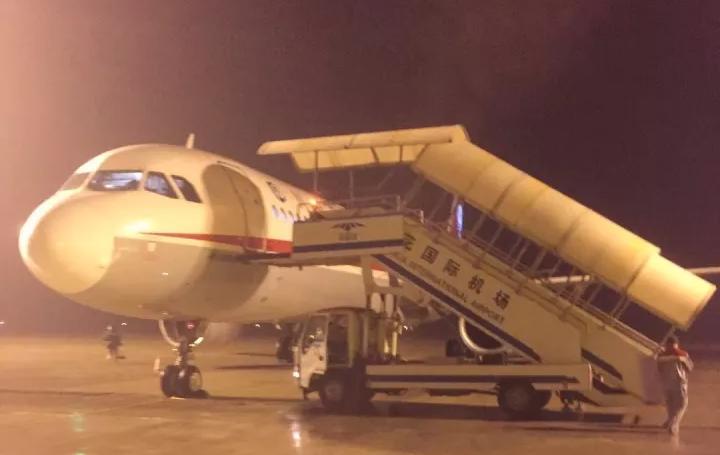 网传昨晚一客机被吸毒人员劫机降落长沙?警方通报事件经过