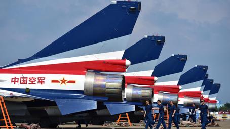 中国空军八一飞行表演队赴两国进行飞行表演