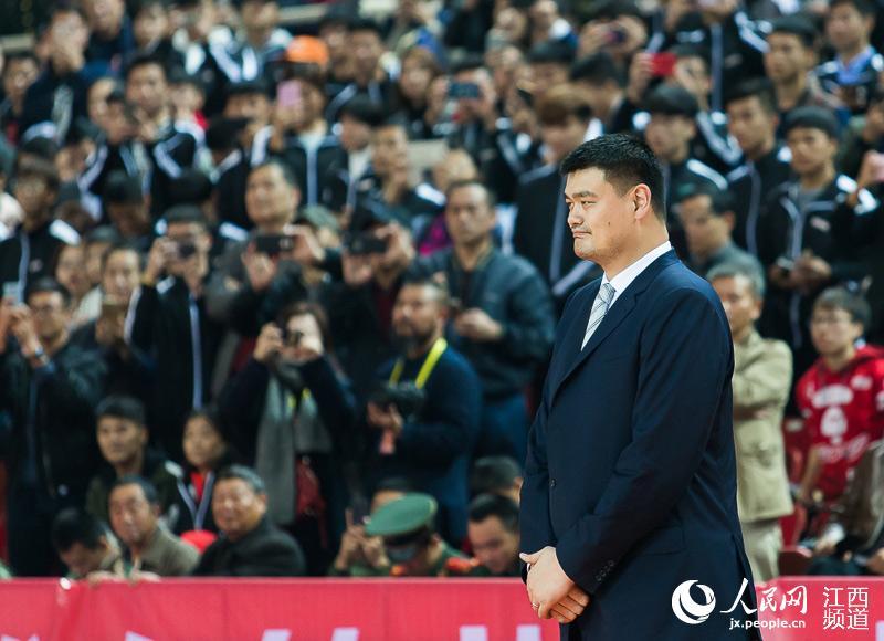 中国女子篮球联赛新赛季揭幕 姚明宣布开幕
