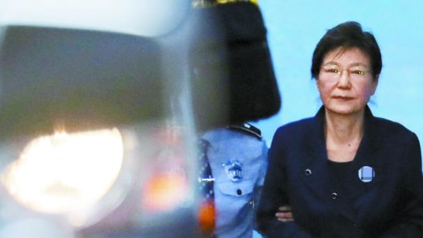 朴槿惠被曝私用国安费 检方发话:一定要严惩她!