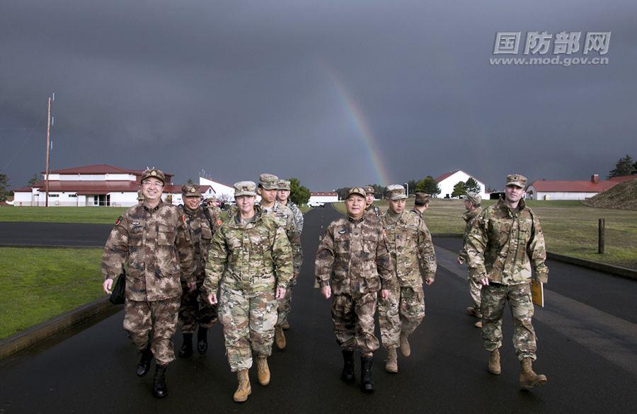 中美两军人道主义救援减灾指挥所推演和实兵演练开