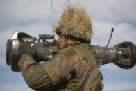 芬兰 接收新反坦克武器