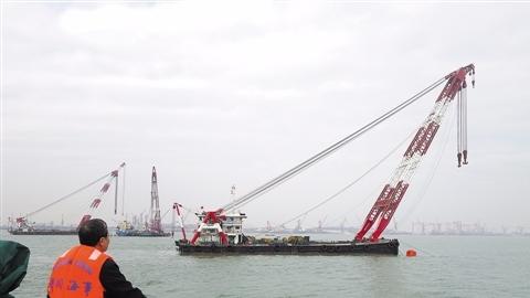 两货轮珠江口相撞一艘沉没 12名船员下落不明