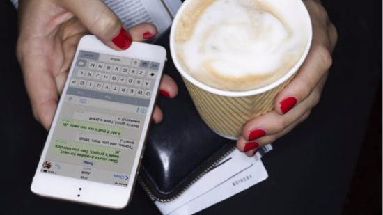 即时短信诞生25周年 颠覆沟通方式成时代标志