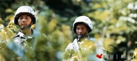感动!一首我爱你中国帅哭了!
