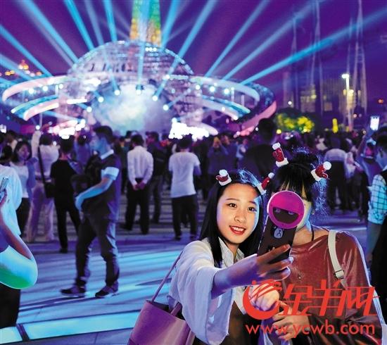 """广州国际灯光节跻身""""世界三大灯光节""""成羊城新名片"""