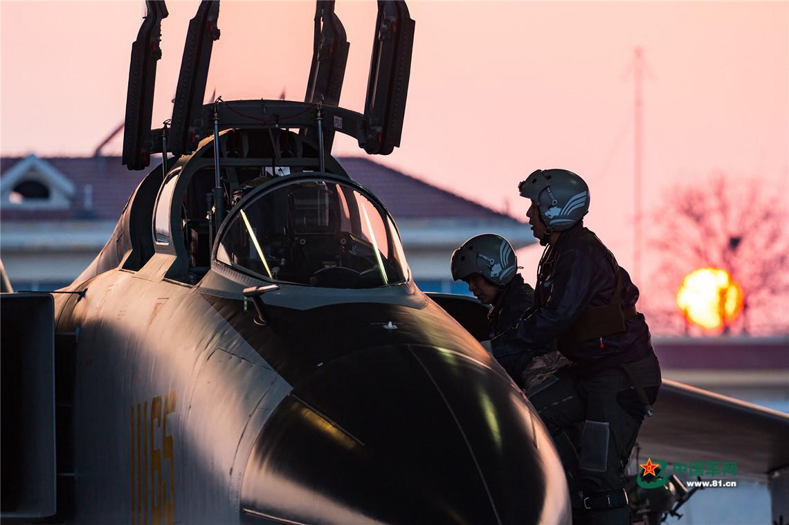 剪影|走进空军人的战斗阵地 感受光影之美