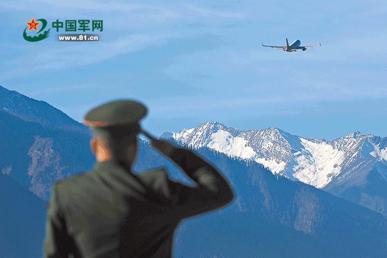 2017年全军新老兵航空运输影像纪实
