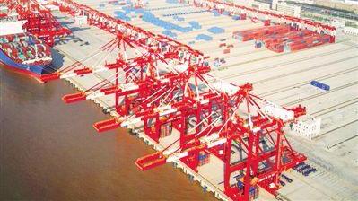 世界最大单体智能码头开港 这个码头看不到人