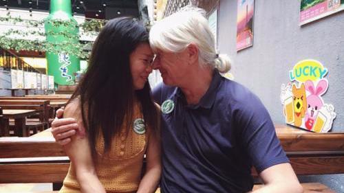 沙发客爱上广州女房东 5年跨国爱情长跑