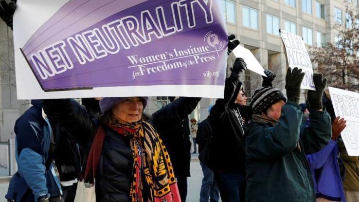 """美国废除""""网络中立"""" 引发巨大争议"""