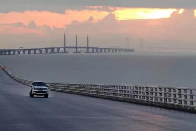 港珠澳大桥暂定收费30年 不同车型价不同