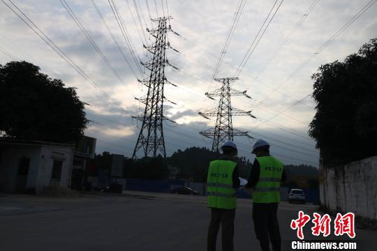 珠三角城际新白广线项目施工进展顺利,预计2019年通车。 李锷 摄