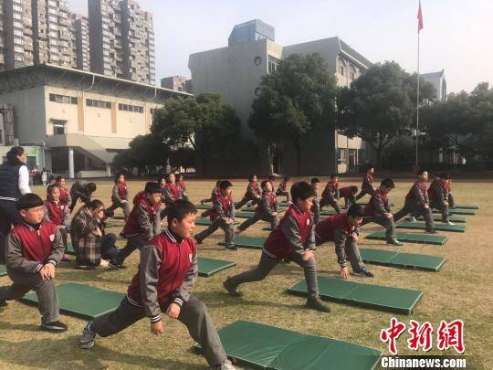 世界冠军谈中小学体育课程发展称应增设运动项目