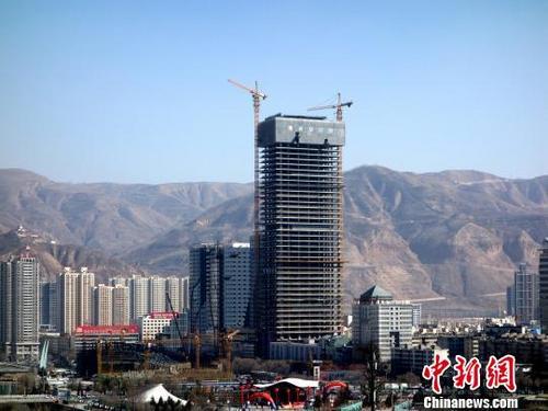 十强房企新增土地货值近6万亿元 王健林跌落首富