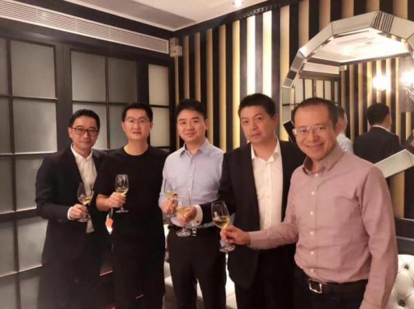 腾讯跟投唯品会前后:刘强东庆祝在一起,唯品会曾接触阿里