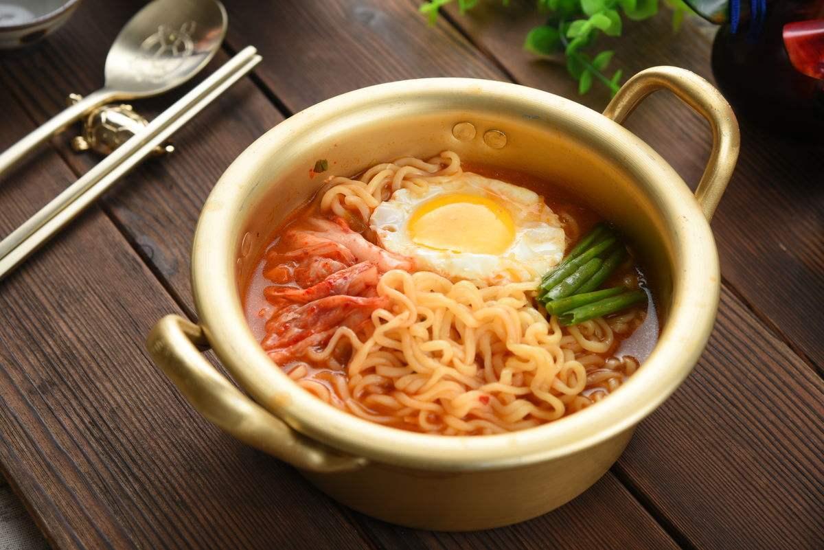 韩国人也爱吃面!统计:2016年韩国人均消费面食70碗