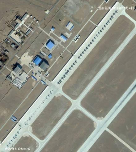 42架战机一排同框!鼎新基地卫星照气势如虹
