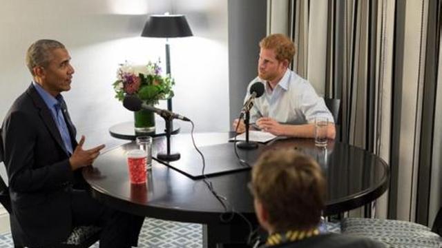 """奥巴马对话哈里王子 批社交媒体""""副作用"""""""