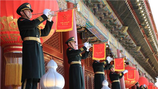人民解放军首次执行天安门广场升国旗任务