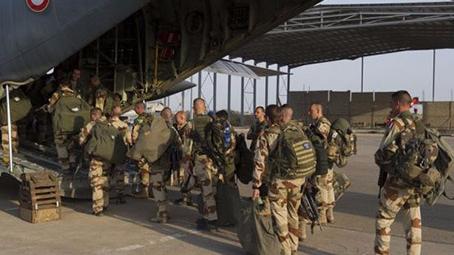 法军10年海外行动超600人受伤 仍有8000人在外部署