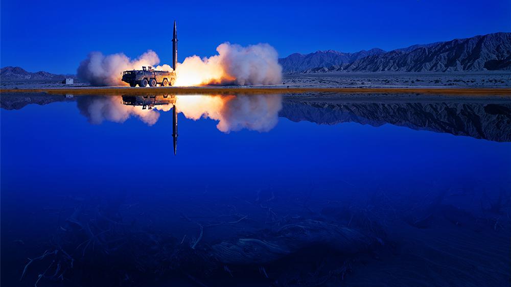 一组震撼大片带你领略导弹腾飞的壮美瞬间