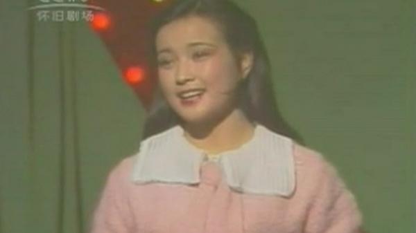 """1983首届春晚 李谷一一场唱九首 刘晓庆成""""带货女王"""""""