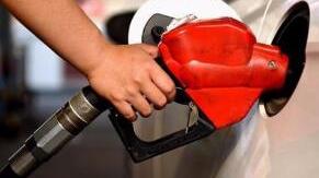 油价迎来新年第一涨 92号汽油每升涨0.15元