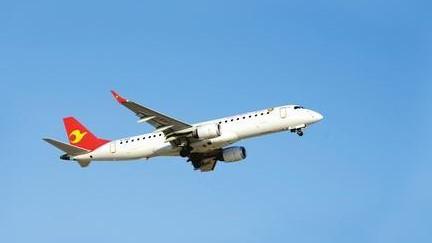 2017年航班正常率为71.67% 未发生运输航空事故