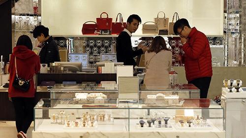 今年中国将多措并举扩大消费 多行业将迎利好