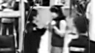 女子拒绝安检骂民警没见过世面 称以后不回中国了