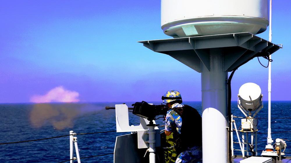 海军第28批护航编队进行实战化训练提升战斗力