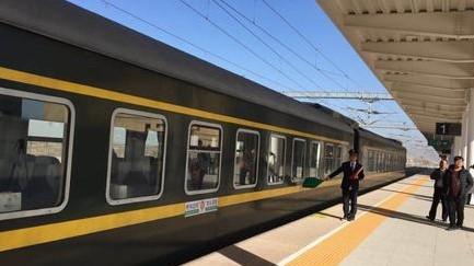 多部门协力解决边防官兵出行难题 特快列车增设停靠站
