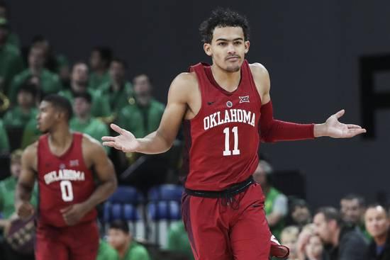下个库里?当他在三分线拿球 整个NCAA都在颤抖