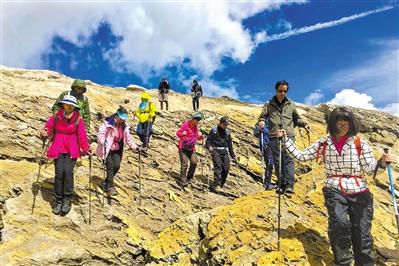 10岁孩子完成环勃朗峰徒步