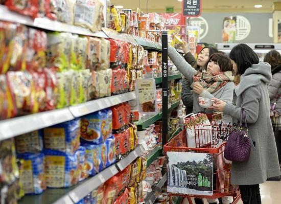 韩出口泡面近三成被中国买走 韩媒:已成韩国美食
