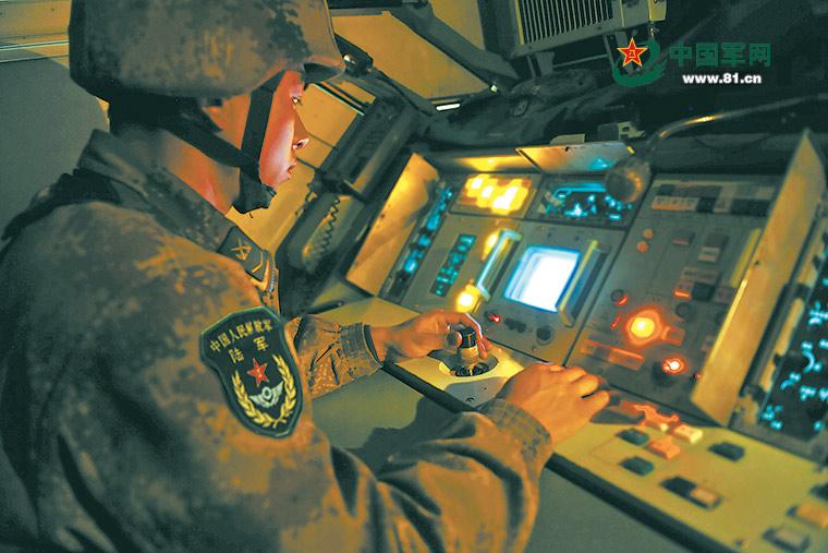 """开训当天,防空营""""捉""""住了无人机"""