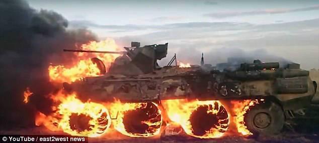 史上最贵行军餐!俄士兵生火热饭 不慎烧毁装甲车