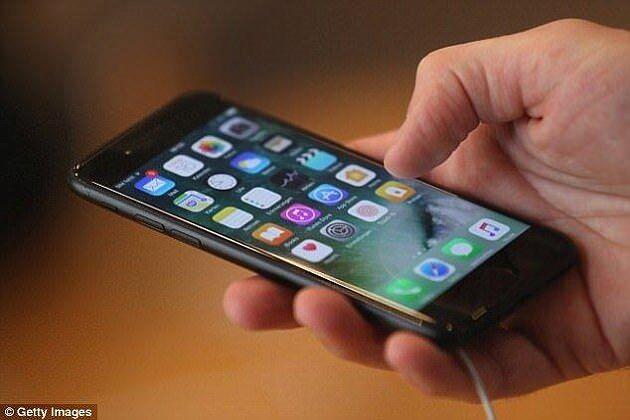 苹果iOS被曝安全漏洞:一条短信可让手机死机