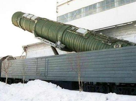 美媒臆测中国弹道导弹高铁 东风41可快速隐蔽机动