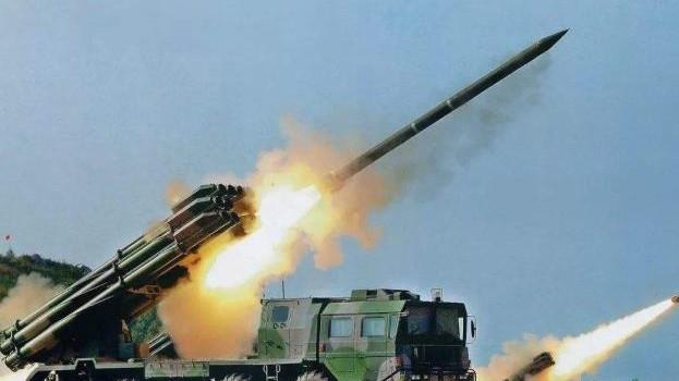 """火箭军坚持实战标准深化导弹号手""""一专多能""""训练"""