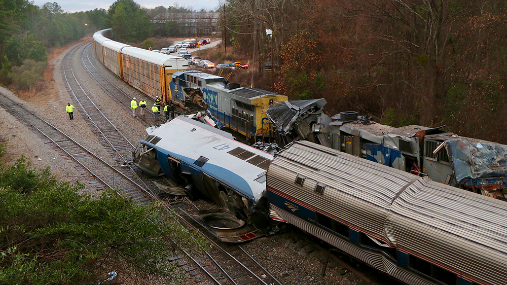 美国南卡州火车相撞致2人死亡逾百人受伤