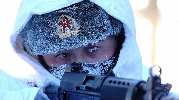 记者直击:冷的边关热的血