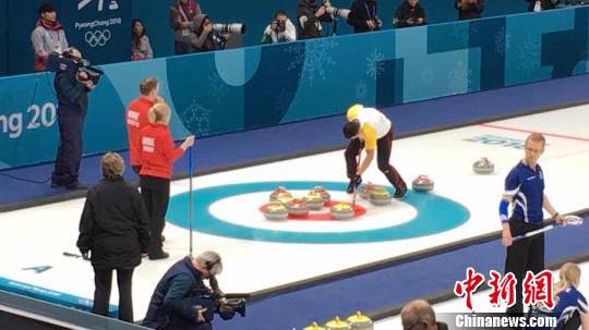 单局5分打爆对手!中国冰壶混双大胜挪威跻身附加赛