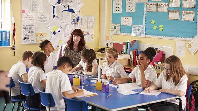 """英国高中将开设""""虚拟""""课程:教室无需教师"""