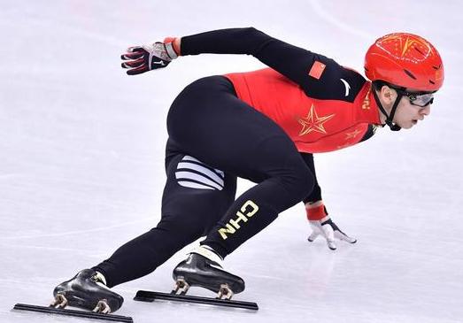 首金!武大靖500米力压两韩将 两破世界纪录夺冠