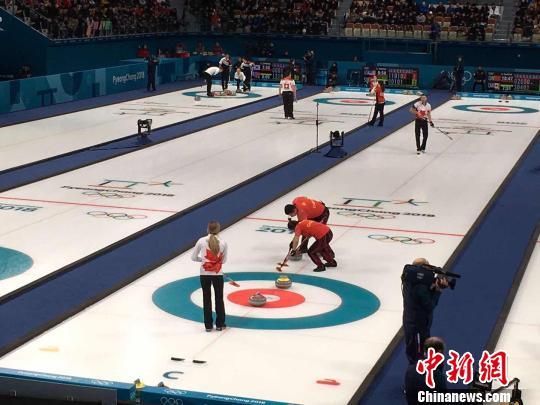 低级失误单局丢4分中国冰壶混双不敌加拿大