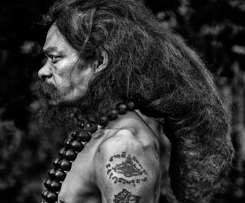 比利时摄影师周游世界30年拍肖像 展异域风情