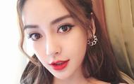 Angelababy生日发自拍福利 红唇妩媚实力宠粉